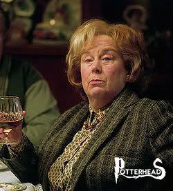 Marge Dursley Harry Potter - PotterPedia.it