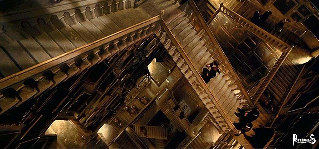 Scalinata Principale Harry Potter - PotterPedia.it