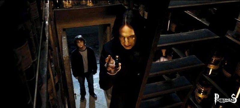 Ripostiglio del Primo Piano Harry Potter - PotterPedia.it