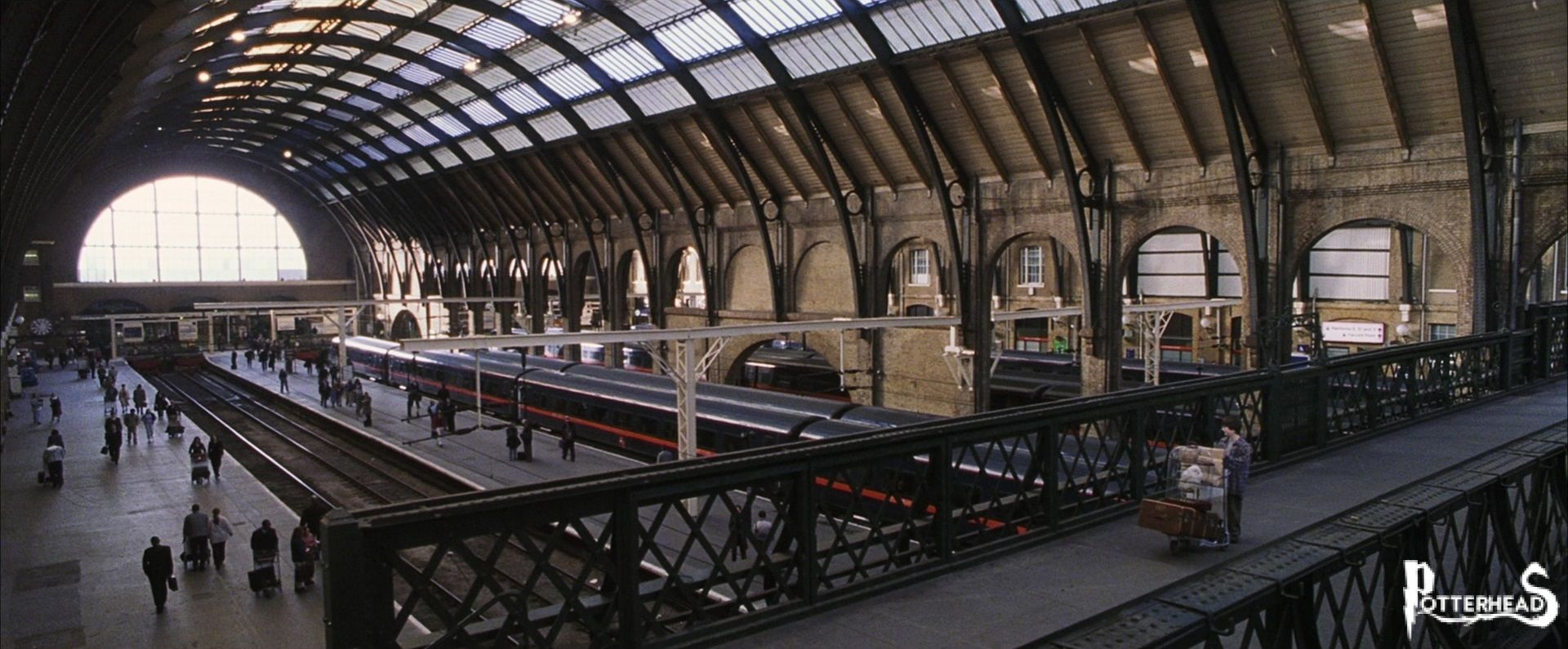 Stazione di King's Cross Harry Potter - PotterPedia.it